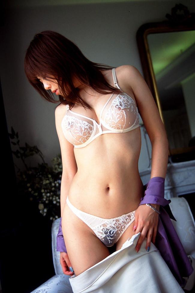 【ヌード画像】透けパン女の子の陰毛がいやらしいw(32枚) 07