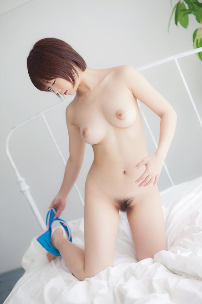 【ヌード画像】パンツ脱ぎかけお姉さんに誘惑されたいw(34枚) 04