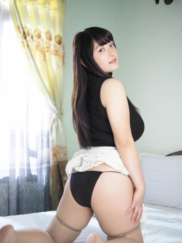 【ヌード画像】乳神様と大人気!柳瀬早紀の超乳セクシー画像!(32枚) 20