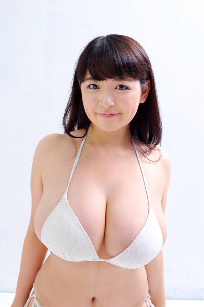 【ヌード画像】乳神様と大人気!柳瀬早紀の超乳セクシー画像!(32枚) 27