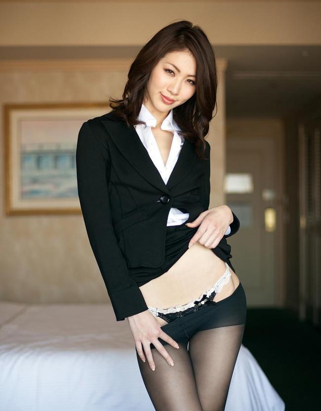 【ヌード画像】会社内で美女が裸になっている件(30枚) 24