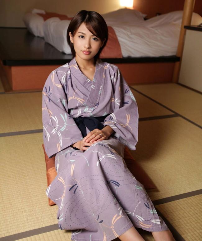 【ヌード画像】夏目優希のスレンダーな裸体が色っぽいw(31枚) 07