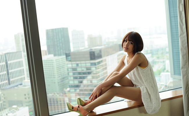 【ヌード画像】夏目優希のスレンダーな裸体が色っぽいw(31枚) 18