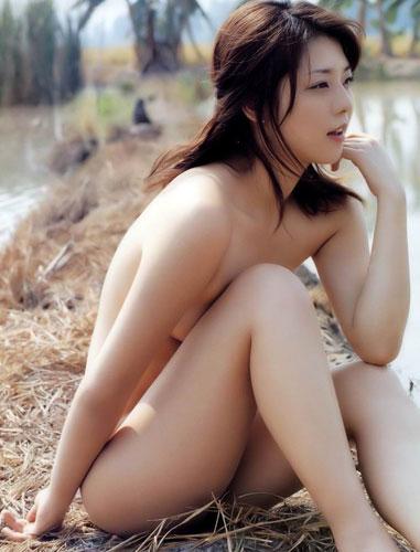 【ヌード画像】自然との共存!野外にいる美少女たちの幻想的な美しさ!(31枚) 03