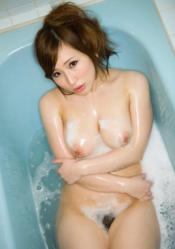 【ヌード画像】佐山愛のムチムチボディがセクシーなヌード画像(30枚) 13