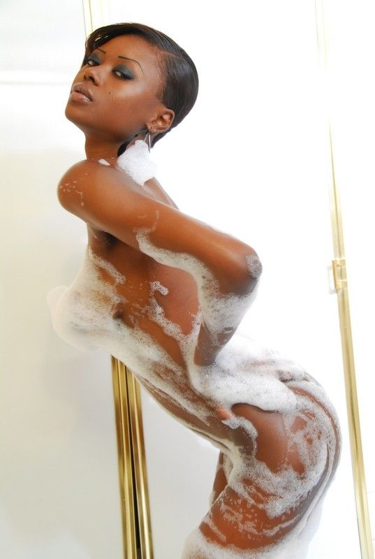 【ヌード画像】黒人美女の裸体はマジで勃起するw(34枚) 26