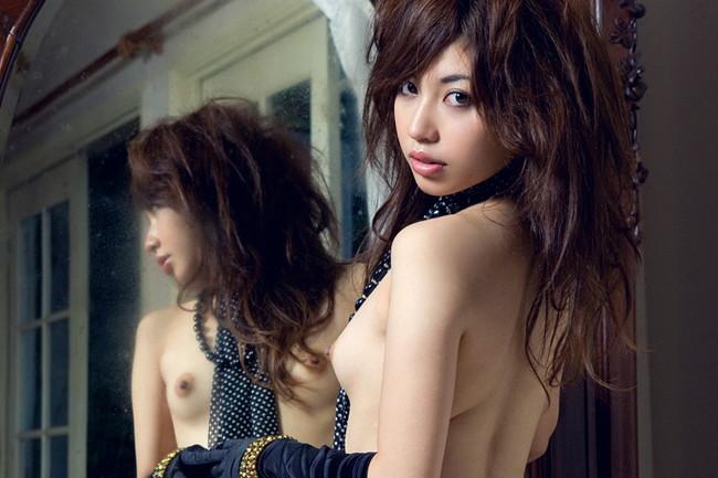 【ヌード画像】鏡に映る美女たちの可憐な裸体(32枚) 14
