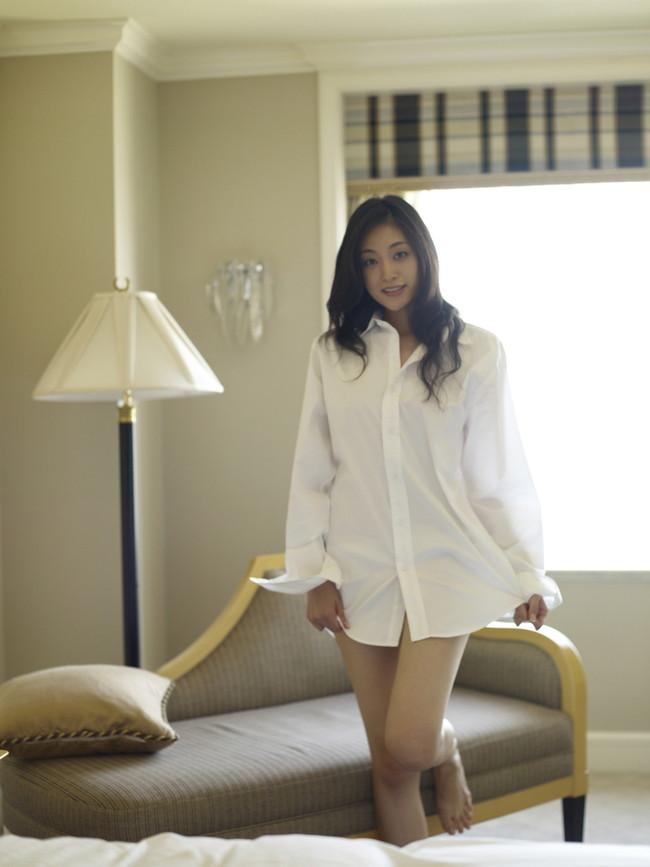 【ヌード画像】白シャツを着ている美少女の清楚感は異常w(31枚) 08