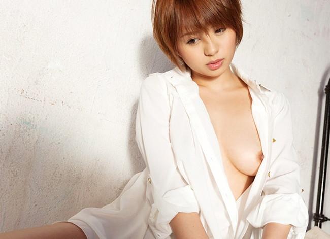 【ヌード画像】白シャツを着ている美少女の清楚感は異常w(31枚) 21