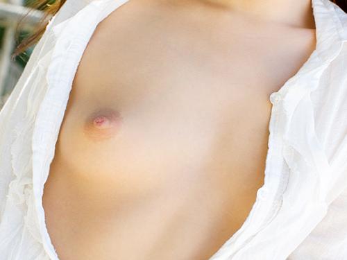 【ヌード画像】白シャツを着ている美少女の清楚感は異常w(31枚) 25