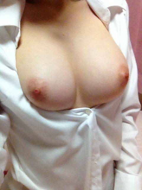 【ヌード画像】白シャツを着ている美少女の清楚感は異常w(31枚) 28