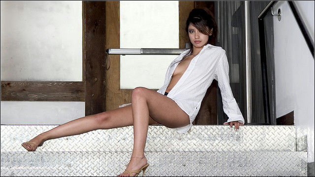 【ヌード画像】白シャツを着ている美少女の清楚感は異常w(31枚) 30