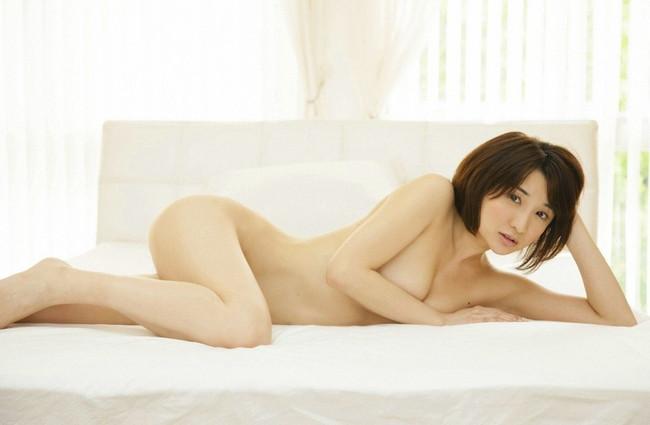 【ヌード画像】片手で胸を隠す片手ぶら姿が超絶sexy!(33枚) 19