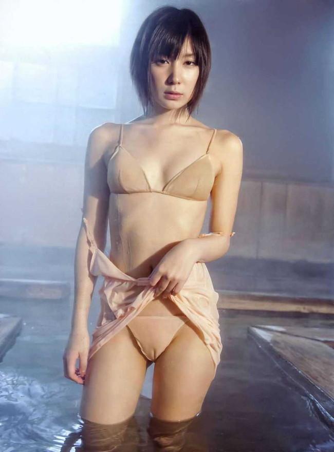 【ヌード画像】メコ筋やマン筋の食い込みが卑猥すぎるw(30枚) 10