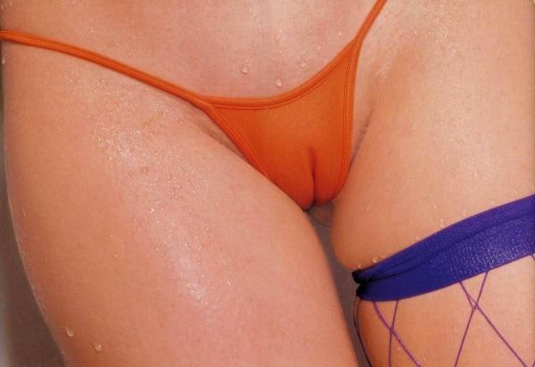 【ヌード画像】メコ筋やマン筋の食い込みが卑猥すぎるw(30枚) 27