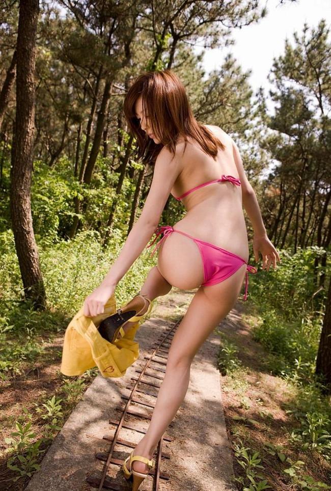 【ヌード画像】スカート脱ぎかけの下半身がエロすぎて困るw(30枚) 15