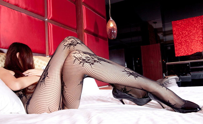 【ヌード画像】下着姿の美女がハイヒールを履いて更にセクシーに!(31枚) 18