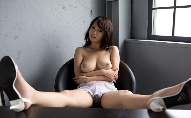 【ヌード画像】下着姿の美女がハイヒールを履いて更にセクシーに!(31枚) 25