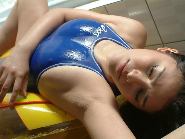 【ヌード画像】フル勃起確実w下着姿や水着姿で腋を見せる女の子w(32枚) 14