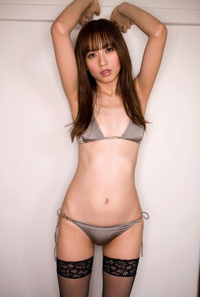 【ヌード画像】フル勃起確実w下着姿や水着姿で腋を見せる女の子w(32枚) 21
