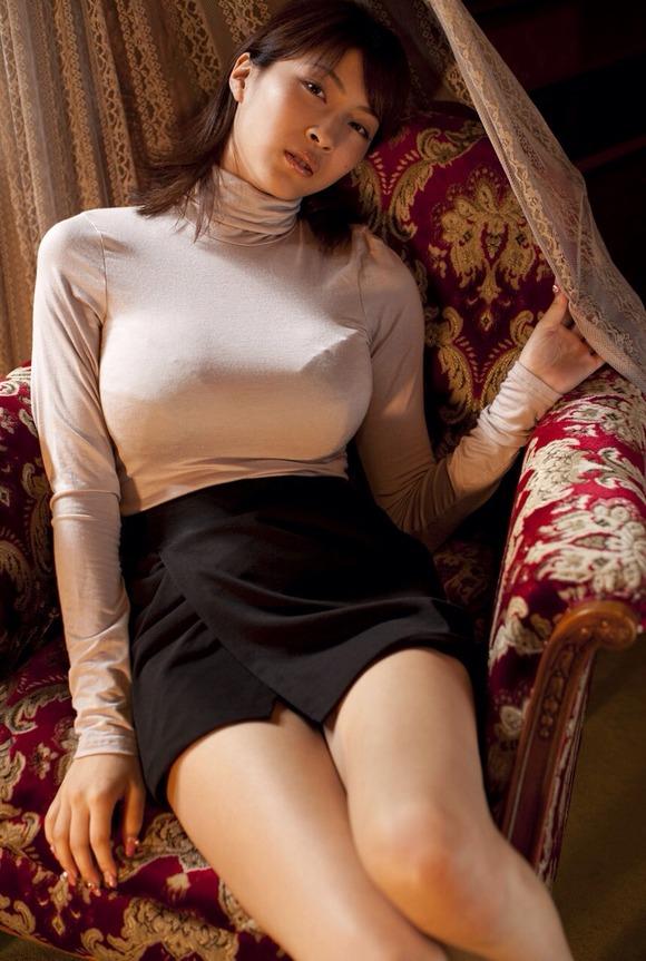 【ヌード画像】巨乳女がセーターを着た結果w(32枚) 19