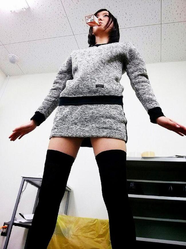 【ヌード画像】着衣ニーソの破壊力がヤバいw(31枚) 05