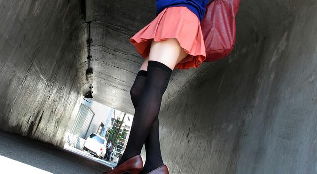 【ヌード画像】着衣ニーソの破壊力がヤバいw(31枚) 22