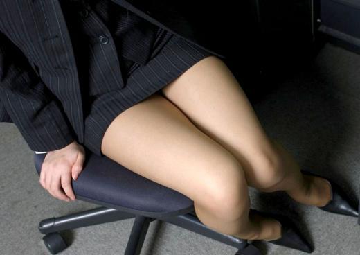 【ヌード画像】美脚エロ画像を見ていると足コキしてほしくなるw(33枚) 03
