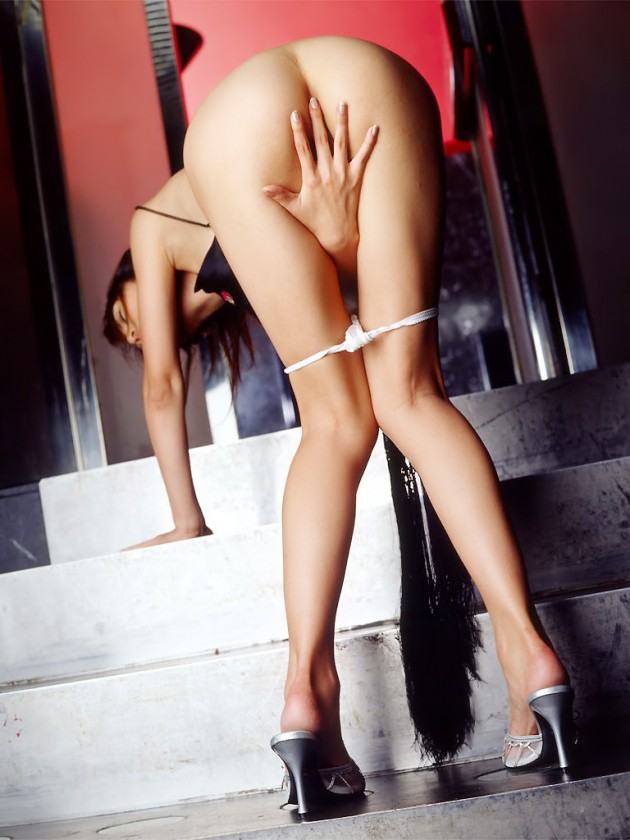 【ヌード画像】美脚エロ画像を見ていると足コキしてほしくなるw(33枚) 20