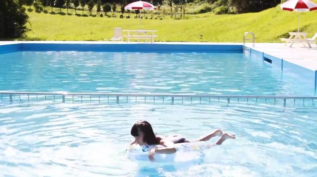 【ヌード画像】水着で遊ぶ女の子が可愛いw(33枚) 13