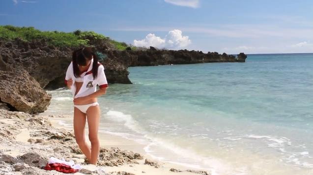 【ヌード画像】水着で遊ぶ女の子が可愛いw(33枚) 21