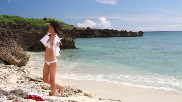 【ヌード画像】水着で遊ぶ女の子が可愛いw(33枚) 22