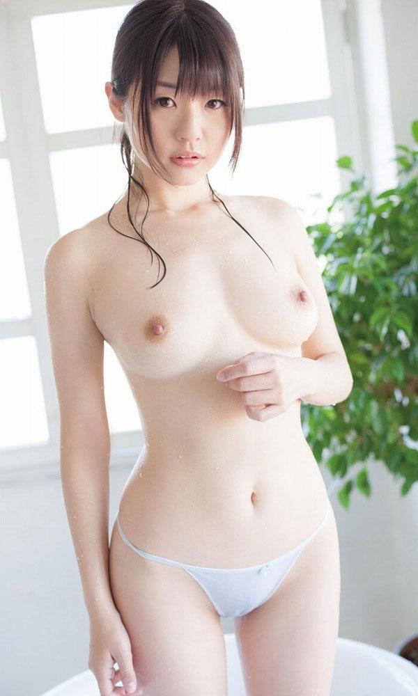 【ヌード画像】巨乳スレンダーなボディで勃起不可避!(33枚) 04