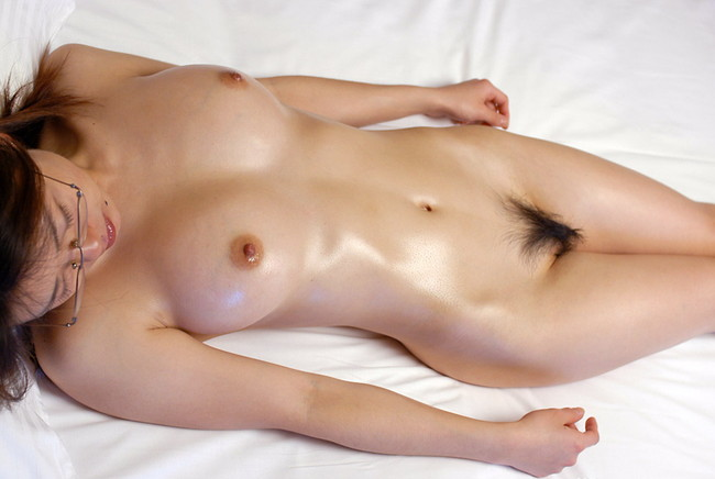 【ヌード画像】巨乳スレンダーなボディで勃起不可避!(33枚) 13