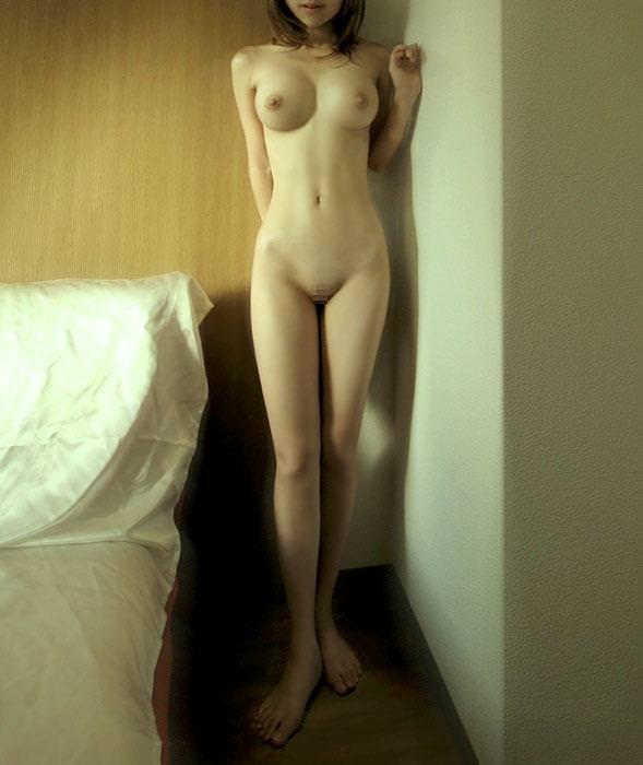 【ヌード画像】巨乳スレンダーなボディで勃起不可避!(33枚) 18