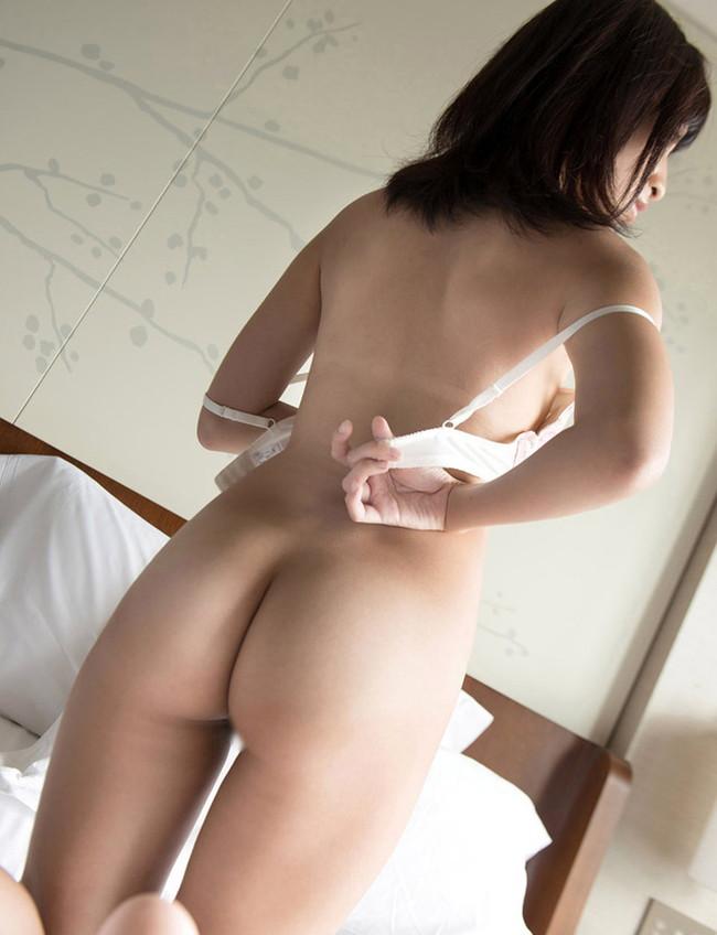 【ヌード画像】ブラを外している女の子たちがエロいw(32枚) 02