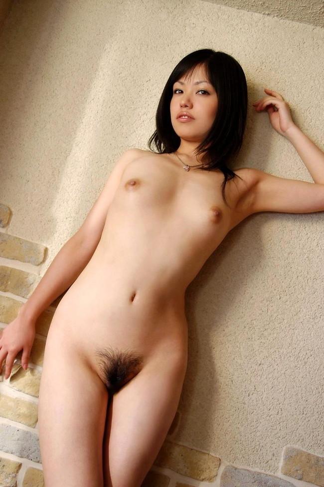 【ヌード画像】マン毛が卑猥な女の子たちのヘアヌードw(32枚) 15