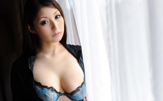 【ヌード画像】秋吉ひなの長身グラマラスなヌード画像(30枚) 05