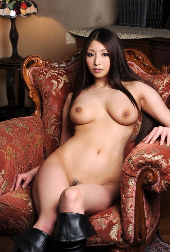 【ヌード画像】秋吉ひなの長身グラマラスなヌード画像(30枚) 11
