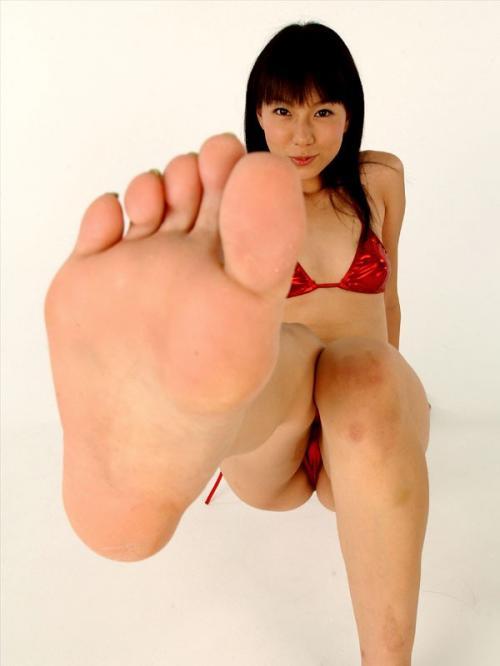 【ヌード画像】女の子の足の裏で興奮するやつ集まれ~w(32枚) 17