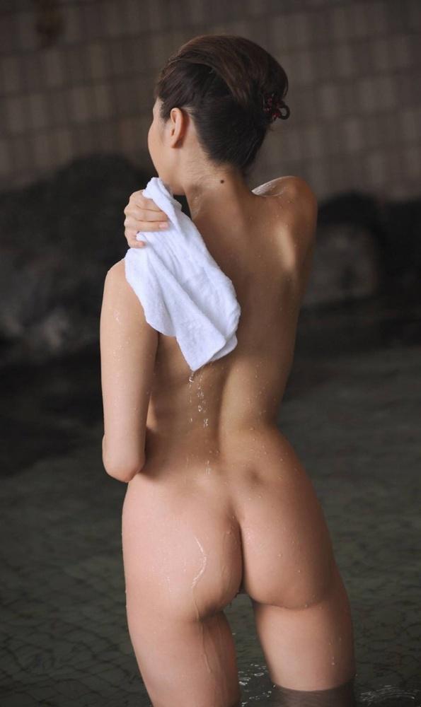 【ヌード画像】美女の綺麗な尻がリビドー直撃のエロさw(32枚) 23