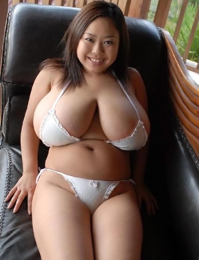 【ヌード画像】ぽっちゃり系女子の肉体は抱き心地よさそうw(32枚) 01