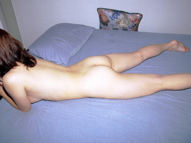 【ヌード画像】お尻や背中が美しいうつ伏せヌード画像(32枚) 05