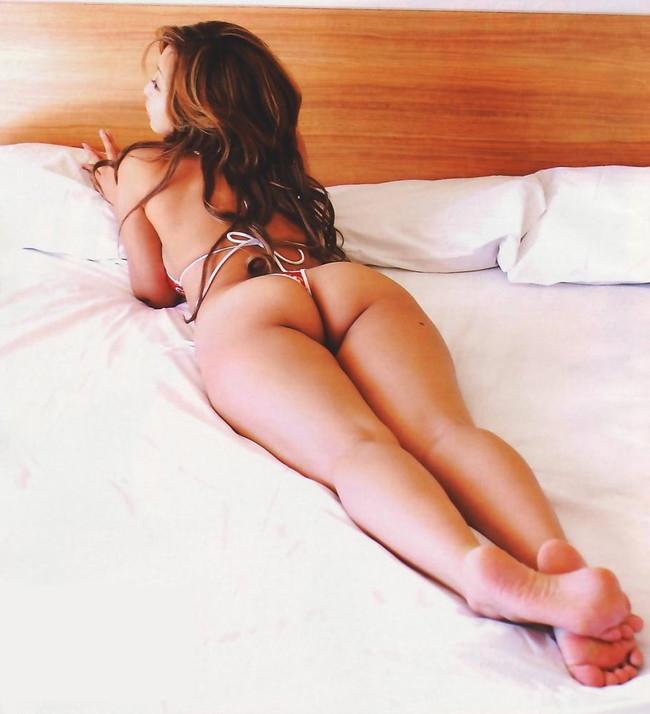 【ヌード画像】お尻や背中が美しいうつ伏せヌード画像(32枚) 10