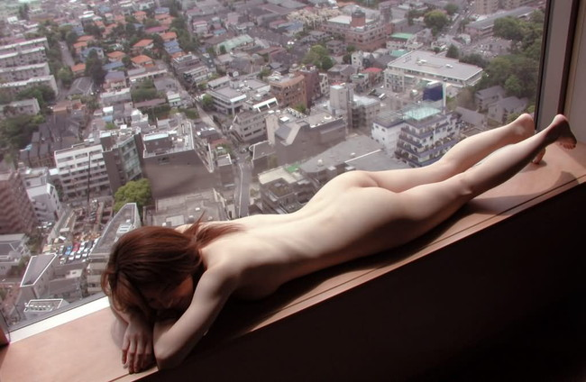 【ヌード画像】お尻や背中が美しいうつ伏せヌード画像(32枚) 14