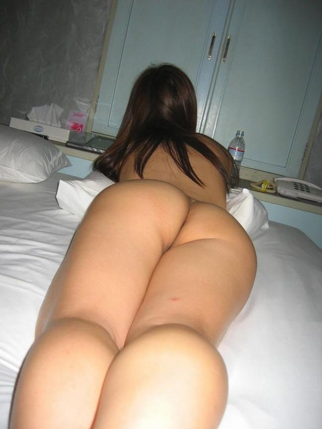 【ヌード画像】お尻や背中が美しいうつ伏せヌード画像(32枚) 22