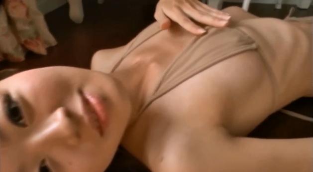【ヌード画像】これは即ハボw美少女のセクシーなセミヌード姿がエロ杉w(39枚) 15