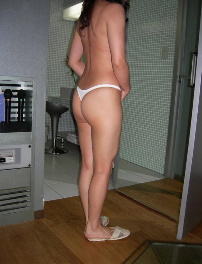 【ヌード画像】Tバックが似合うエッチなお尻はムラムラしすぎて困るw(33枚) 09