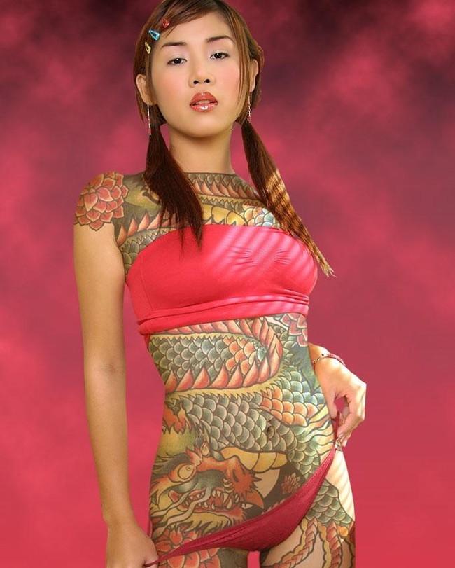 【ヌード画像】身体にタトゥーを入れた美女たちのヌード画像(33枚) 02