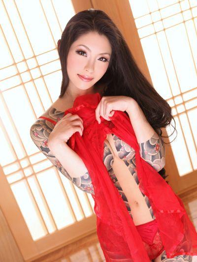 【ヌード画像】身体にタトゥーを入れた美女たちのヌード画像(33枚) 03